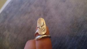 Prsten za nokat