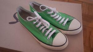 Zenske zelene starke