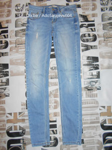 Pantalone Bershka Velicina S