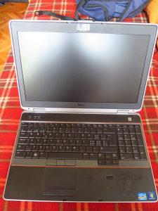 Laptop Dell 15, i7 2g, 8Gb, 500Gb, 2 grafičke
