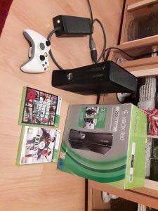 Xbox 360 slim GTA V Fifa 14