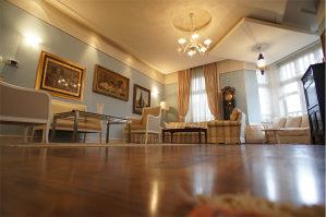 četverosoban stan u samom centru 166 m2