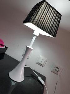 Lampa stolna LED
