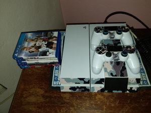 Playstation 4 500 GB + 7 igrica
