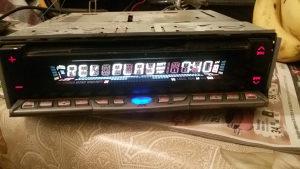 Auto kasetofon JVC