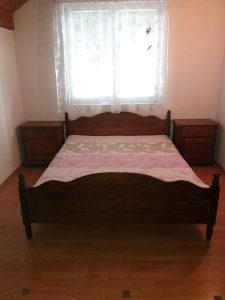 spavaca soba puno drvo