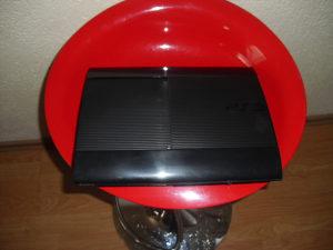 PS3 super slim 500gb  2 .đojstika23- 25 ig,