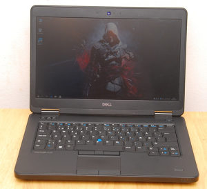 Dell latitude E5440 , i5 4300U , 8GB , 320GB