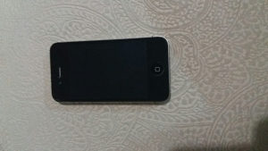 Apple iPhone 4s 8GB,extra ocuvan