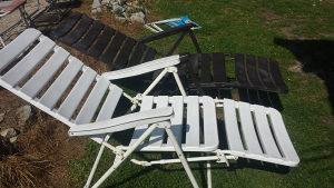 lezaljka i stolica za plazu