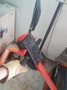 Elektricni viljuskar/ paletar