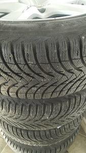 Zimske gume Michelin 205 55 16 dijelovi felge