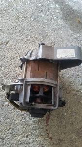 Motor veš mašina AEG
