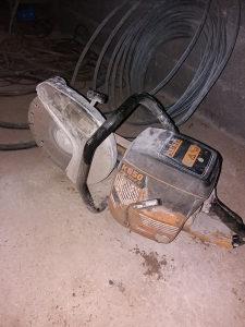 Motoka za beton sa zagama