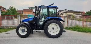 Traktor New Holland TL 90