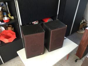 Zvucnici zvucne kutije grundig