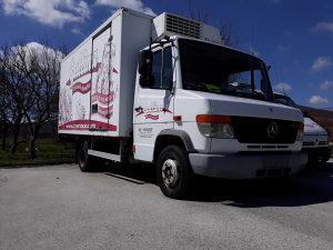 Prodajem kamion hladnjaču