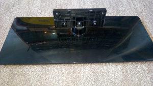 """Grundig LED TV 32"""" postolje stopa stalak"""