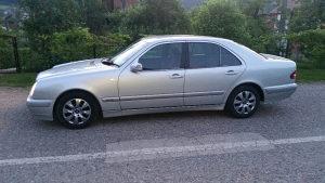 Mercedes-Benz E 220   061789482 tek registrovan