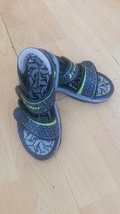 Prodajem Rider djecije sandale u odlicnom stanju!Velici