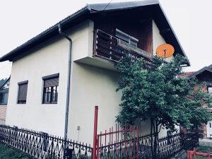 DVOETAŽNA kuća s podrumom, garažom i potkrovljem