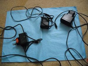 Punjač za mobitel - 3 komada