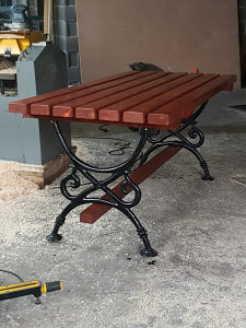 Parkovski sto
