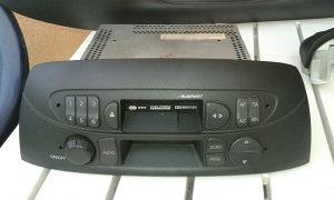 Kasetofon Fabrički Fiat Punto 2,3