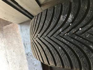 Michelin Alpin 5 205/55R16 Gume