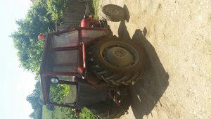Prodajem traktor imt 533