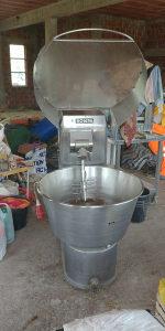 Mašina za mješanje tjesta i mesa