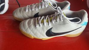 Patike Nike br 38