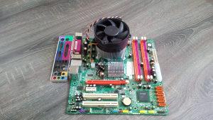 Maticna ploca Acer (podrzava quad,8GB Rama)