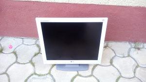 """2x LCD Monitor LG 17"""" 5x vga kablovi"""