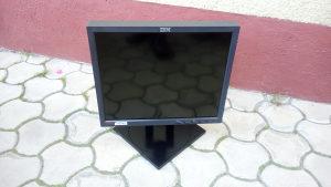 """LCD Monitor 18"""" IBM"""