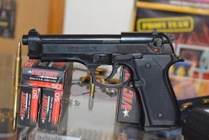 Pistolj plinski BRUNI MOD 92 (startni,plasljivac)