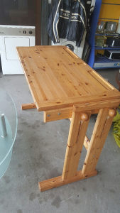 Radni stol-drvo