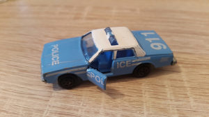 Stari autić Majorette police Impala