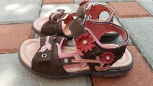 Sandale za djevojcice br 27 Ricosta ,malo nosene