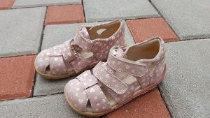 Sandale za djevojcice Froddo  br 23 ,jako dobro ocuvane