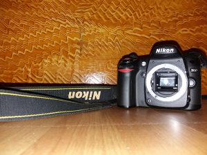 Nikon d80 u odličnom stanju odgovara zamjena