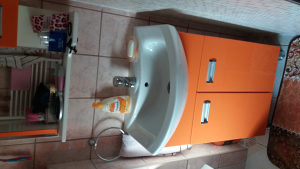 Umivaonik.ogledalo.komplet kupatilo