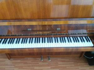 Klavir Piano