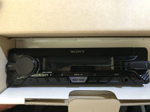 Sony xplod cd player DSX-A200UI 55x4 auto radio  (NOVO)