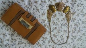 Novcanik i ogrlica u setu