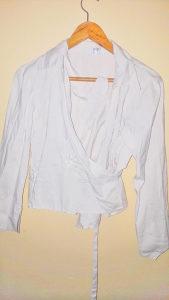 Bijela košulja na vezanje br. 42