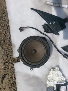Zvucnik zvucnici Audi A3 8p0035411