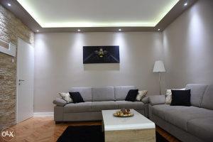Trosoban luksuzno opremljen stan u centru - 77 m2