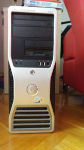 Racunar DELL Core 2 Quad Q6600 GT 720 RAM 8GB Monitor