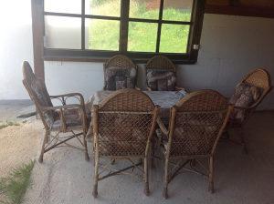 Vrtni sto i 6 stolica